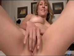 Anilos amateur Berkley stuffs a dildo into her pussy