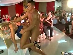 Strangers fuck party girls willing to bang in public