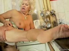 Ugly granny getting banged hard in her pussy