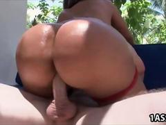 Big booty Sandra gets banged outside