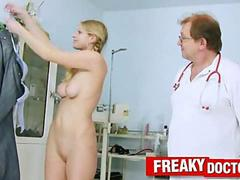 Orgasmic Jenny experiences climax during vagina inspection