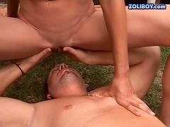 Guy fucking and pissing on hot bitch outdoor