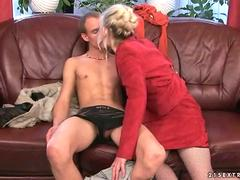 sexy granny in deep heat wants to fuck