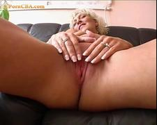 Amateur milf play with dildo and blowjob