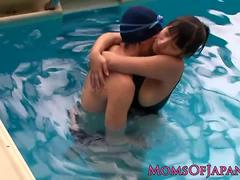Curvy japanese milf jizzed on bigass