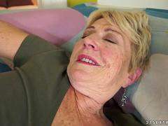 Granny hair pussy covered with cum