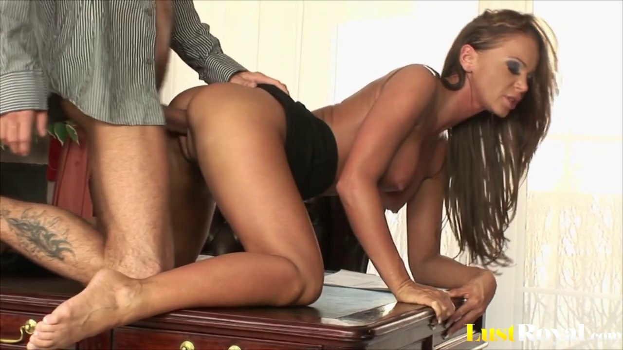 Shaved beauty Christina Bella loves the doggy style