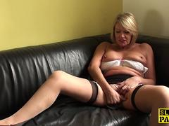 Busty english GILF fuckfingering herself