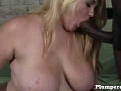 Plumper bbw plowed by black cock in duo