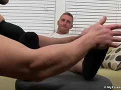Muscular dudes Scott and Cole enjoy nice feet fetish time